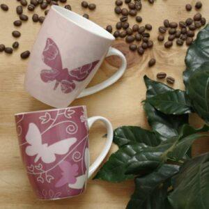 Hrnek - motýli